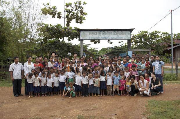 絹織物に明日を託すカンボジアの女性たちへ、 機織りのサマースクールを開きたい